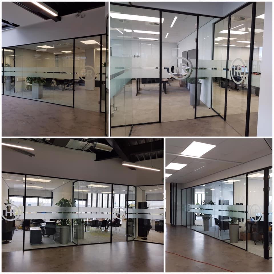 Combinique-Reclame-kantoor-straalfolie