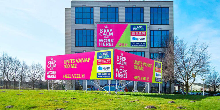 combinique reclame outdoor signing